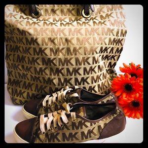 🔥🔥 bundle MK purse and matching shoes 7 1/2